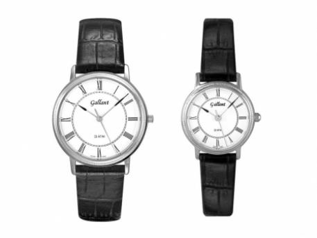 Classic Roman Numerals w/Leather Strap - Silver-toned Gents & Ladies classic leather strap with roman numerals, Coin edge and sapphire crystal.